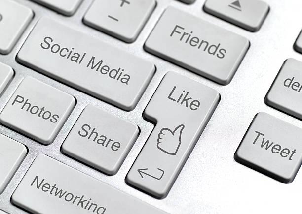Social media keyboard:スマホ壁紙(壁紙.com)