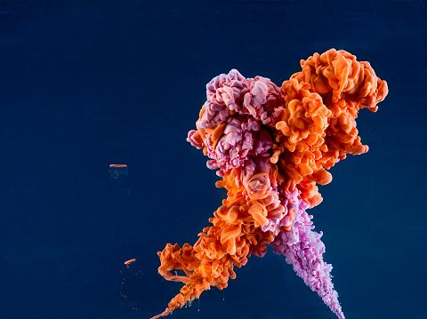 Ethereal「Orange and purple paint in water, dark background」:スマホ壁紙(0)