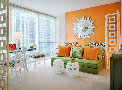 Chaise Longue「Orange and Green Accents in Living Room」:スマホ壁紙(3)