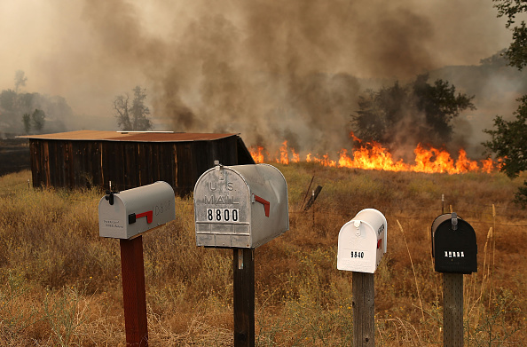 Approaching「Wildfire Grows Rapidly In California's Lake County」:写真・画像(11)[壁紙.com]