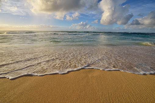 Waimea Bay「Surf on sandy beach.」:スマホ壁紙(9)