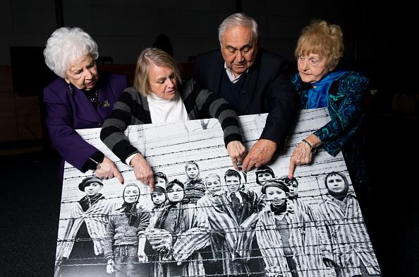 子供「USC Shoah Foundation Bring Together Survivors From The Iconic Auschwitz Children Image」:写真・画像(2)[壁紙.com]
