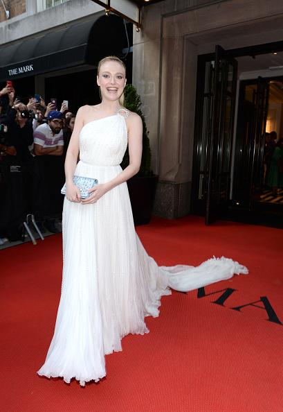 White Dress「The Mark Hotel Celebrates the 2018 Met Gala」:写真・画像(6)[壁紙.com]
