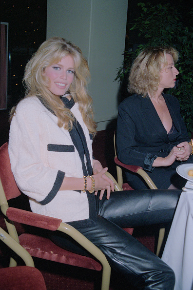 Claudia Schiffer「Rainforest Foundation Gala, 1992」:写真・画像(4)[壁紙.com]
