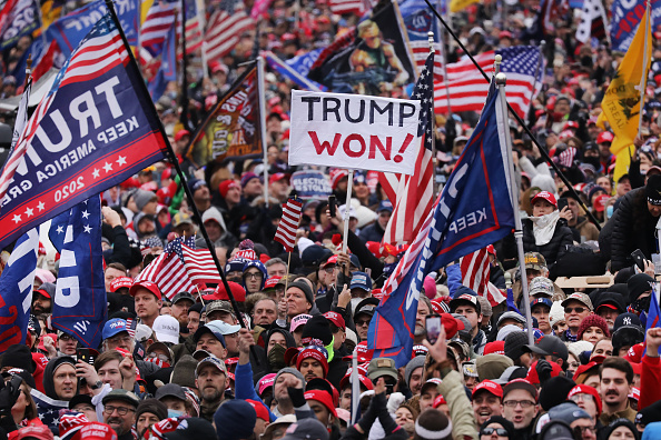 "Electoral College「Trump Supporters Hold ""Stop The Steal"" Rally In DC Amid Ratification Of Presidential Election」:写真・画像(13)[壁紙.com]"