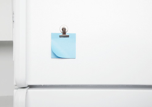 Adhesive Note「Blank sticky notes on fridge door」:スマホ壁紙(8)