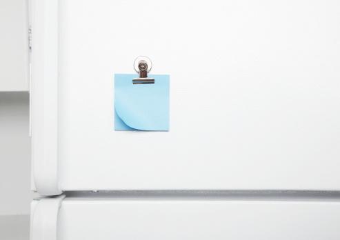 Adhesive Note「Blank sticky notes on fridge door」:スマホ壁紙(14)