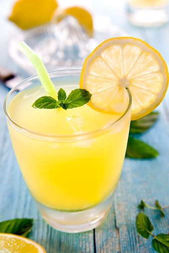 Cocktail「レモネード」:スマホ壁紙(17)