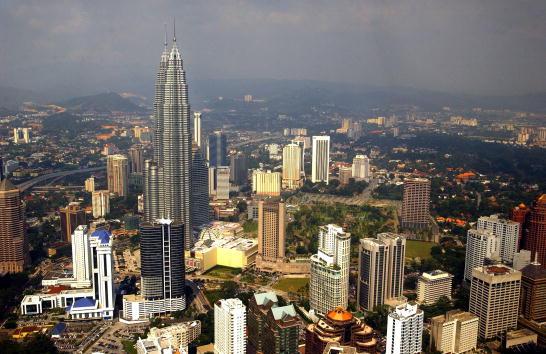 都市景観「Kuala Lumpur, Malaysia」:写真・画像(2)[壁紙.com]
