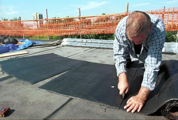Roofer「Bituminous Roofing Cutting Felt Council Estate regeneration」:写真・画像(7)[壁紙.com]