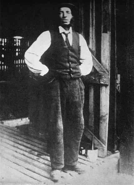 男性用ベスト「'Old Mahogany', 1935」:写真・画像(11)[壁紙.com]