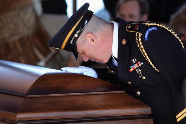 Bestof「National Guardsman Killed In Afghanistan Is Laid To Rest In Colorado」:写真・画像(13)[壁紙.com]