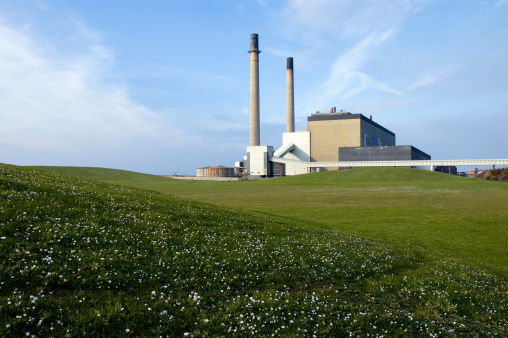 Pasture「Big lawn with power station at the background」:スマホ壁紙(16)