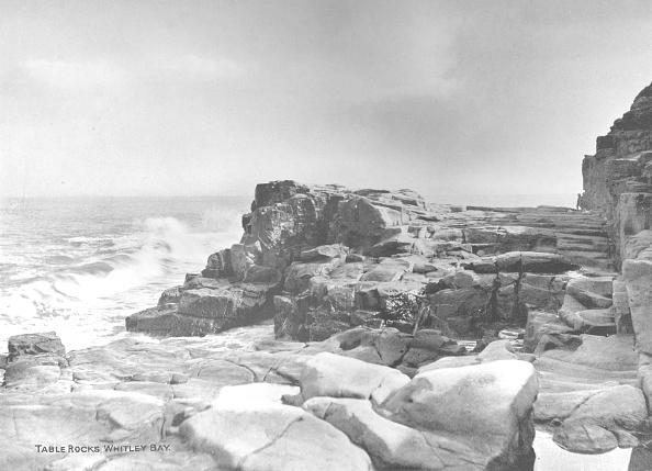 波「Table Rocks, Whitley Bay, 1907」:写真・画像(18)[壁紙.com]