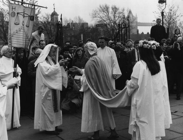 春「Equinox Ceremony」:写真・画像(4)[壁紙.com]