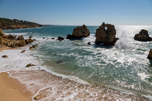 波「Praia dos Arrifes in the Algarve」:スマホ壁紙(3)