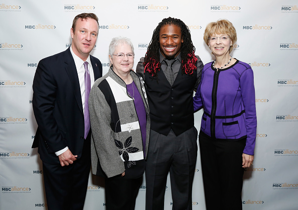 Breast「Professional Football Player DeAngelo Williams Helps The Metastatic Breast Cancer Alliance launch New Landmark Report」:写真・画像(9)[壁紙.com]