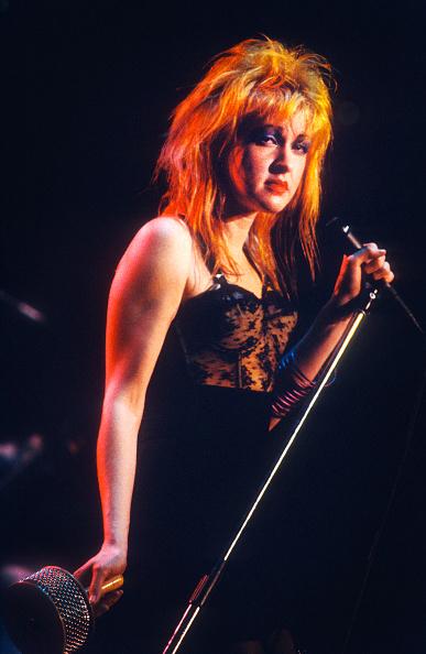 Colors「Cyndi Lauper」:写真・画像(19)[壁紙.com]