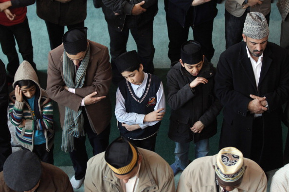 Extremism「Muslims Gather To Condemn Extremism In The UK At Baitul Futuh Mosque」:写真・画像(6)[壁紙.com]