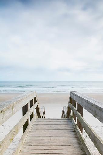 ビーチ「USA, North Carolina, North Topsail Beach, Quiet season at beach」:スマホ壁紙(18)