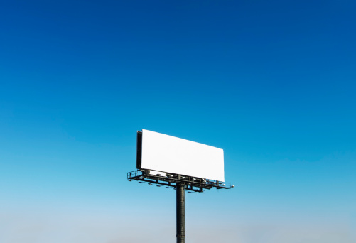 Image「USA, North Carolina, Billboard under blue sky」:スマホ壁紙(14)