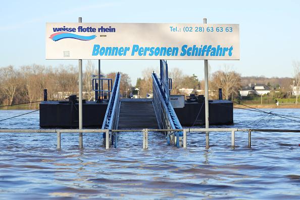 Weather「High Tide At The River Rhine」:写真・画像(4)[壁紙.com]
