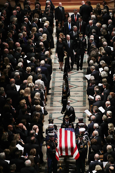Chip Somodevilla「State Funeral Held For George H.W. Bush At The Washington National Cathedral」:写真・画像(14)[壁紙.com]