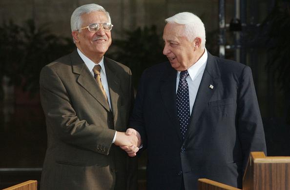 United Arab Emirates「Sharon And Abbas Meet Discuss Mid East Peace Plan」:写真・画像(18)[壁紙.com]