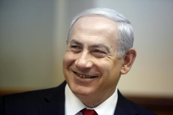 笑顔「Israeli Prime Minister Benjamin Netanyahu Attends Weekly Cabinet Meeting」:写真・画像(9)[壁紙.com]