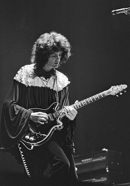 Guitar「Brian May On Stage」:写真・画像(16)[壁紙.com]