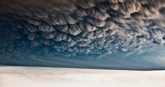 Volcano「Under Grimsvotn Volcanic Eruption in the Vatnajokull Glacier, Iceland」:スマホ壁紙(9)