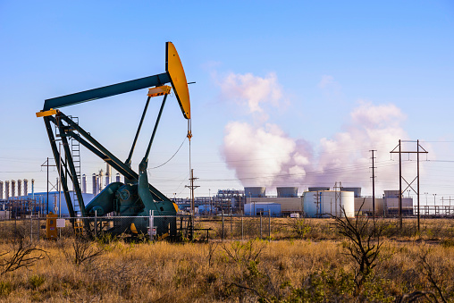 Removing「Pumpjack (oil derrick) and refinery power plant in West Texas」:スマホ壁紙(11)