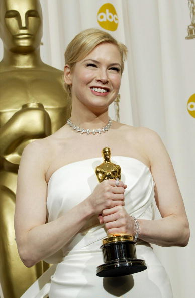 Costume Jewelry「76th Annual Academy Awards - Pressroom」:写真・画像(9)[壁紙.com]