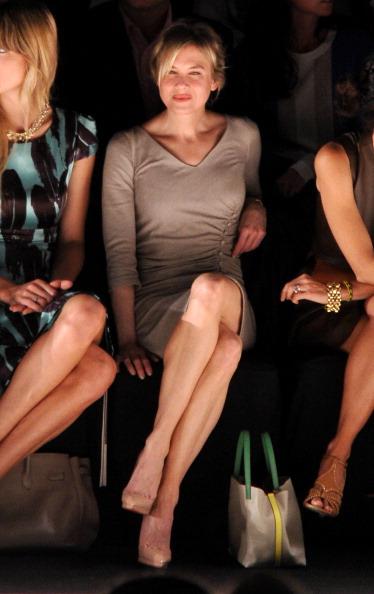 Pencil Dress「Carolina Herrera - Front Row - Spring 2012 Mercedes-Benz Fashion Week」:写真・画像(13)[壁紙.com]