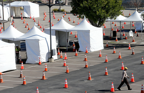 Construction Site「Large-Scale Vaccination Center To Open At Cal State Los Angeles」:写真・画像(0)[壁紙.com]