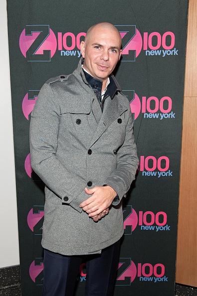 "Blue Pants「Pitbull And Pentatonix Visit ""The Elvis Duran Z100 Morning Show""」:写真・画像(5)[壁紙.com]"