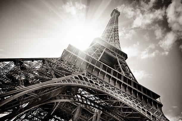 Eiffel Tower:スマホ壁紙(壁紙.com)