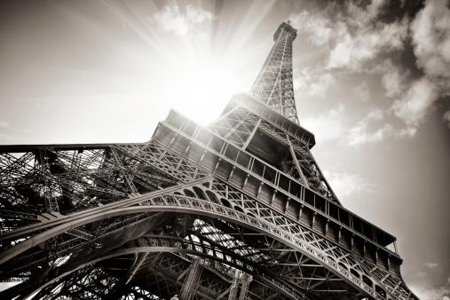 Sepia Toned「Eiffel Tower」:スマホ壁紙(0)