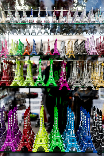 Gift Shop「Eiffel Tower statues for sale in gift shop」:スマホ壁紙(3)