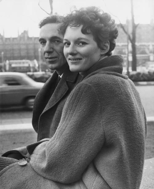 Fiancé「Judith Pakenham And Fiance」:写真・画像(18)[壁紙.com]