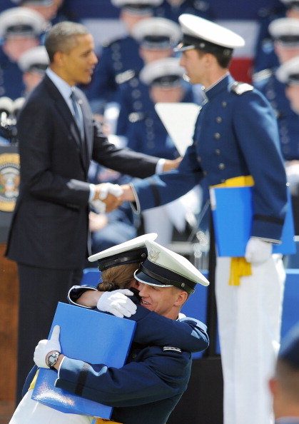 Selective Focus「Obama Delivers Commencement Address At Air Force Academy In Colorado Springs」:写真・画像(3)[壁紙.com]