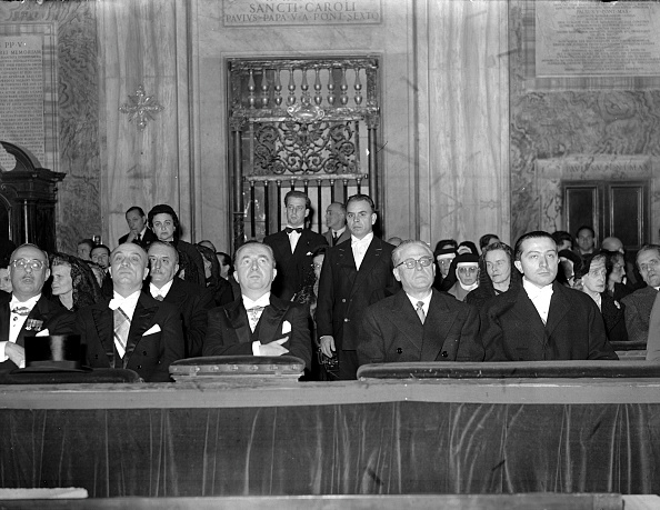 Religious Icon「Giulio Andreotti attends the ceremony for Jubilee year 1950」:写真・画像(13)[壁紙.com]
