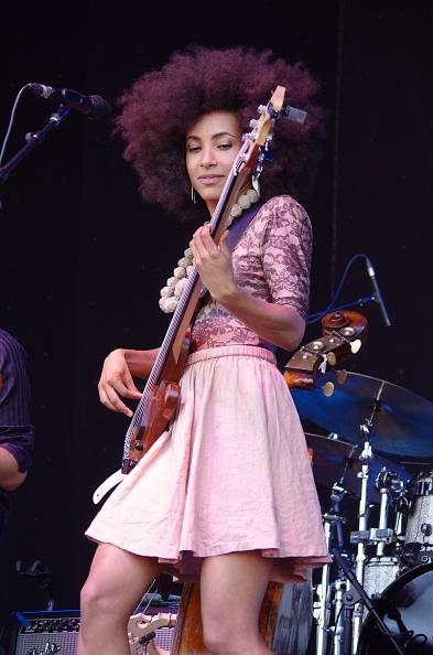 ギター「Esperanza Spalding, Love Supreme Jazz Festival, Glynde, East Sussex, 2013. Artist: Brian O'Connor」:写真・画像(16)[壁紙.com]