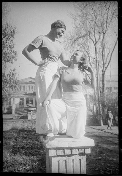 Uzbekistan「Two Girls」:写真・画像(16)[壁紙.com]