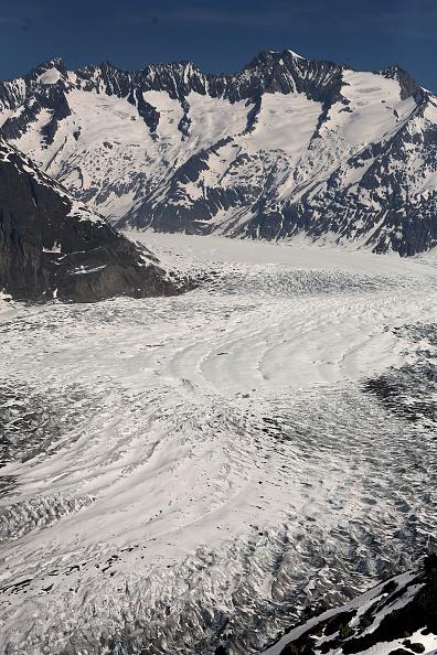 アレッチ氷河「Aletsch Glacier Retreat Continues」:写真・画像(0)[壁紙.com]