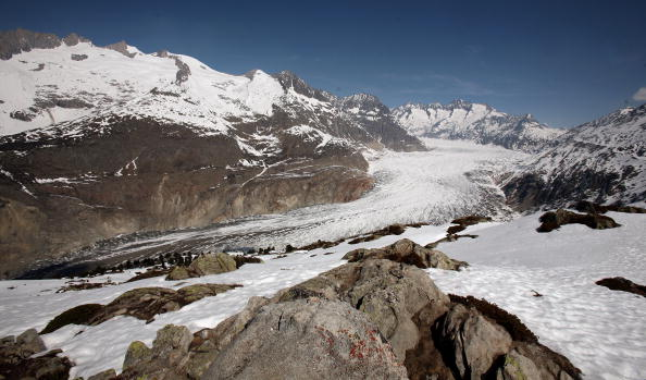 アレッチ氷河「Aletsch Glacier Retreat Continues」:写真・画像(13)[壁紙.com]