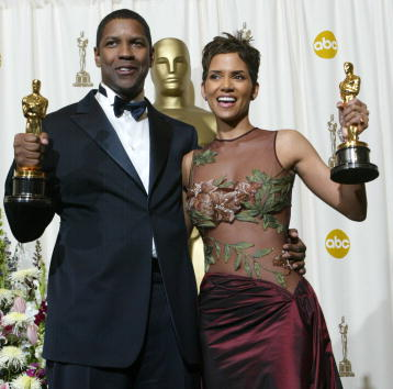 黒「74th Annual Academy Awards」:写真・画像(15)[壁紙.com]