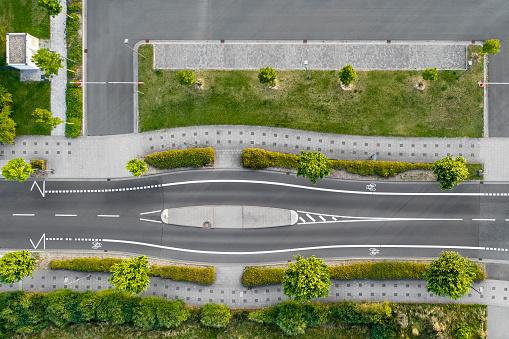 Bicycle「道路と駐車場 - 空撮」:スマホ壁紙(7)