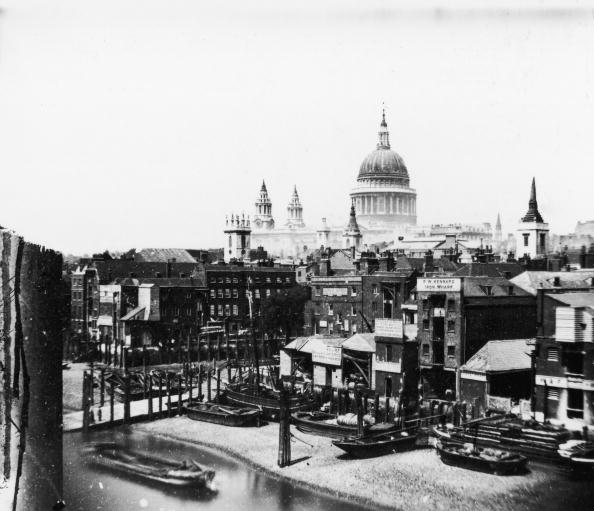 Cityscape「Warehouses And Cathedral」:写真・画像(19)[壁紙.com]