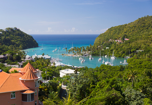 Sailboat「View over the sheltered harbour from verdant hillside above the village, Marigot Bay, St Lucia」:スマホ壁紙(0)